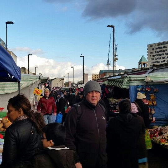 Photo taken at Ridley Road Market by Akie K. on 11/25/2015