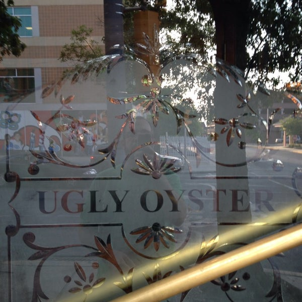 Photo taken at Ugly Oyster Drafthaus by Frank D. on 6/23/2014