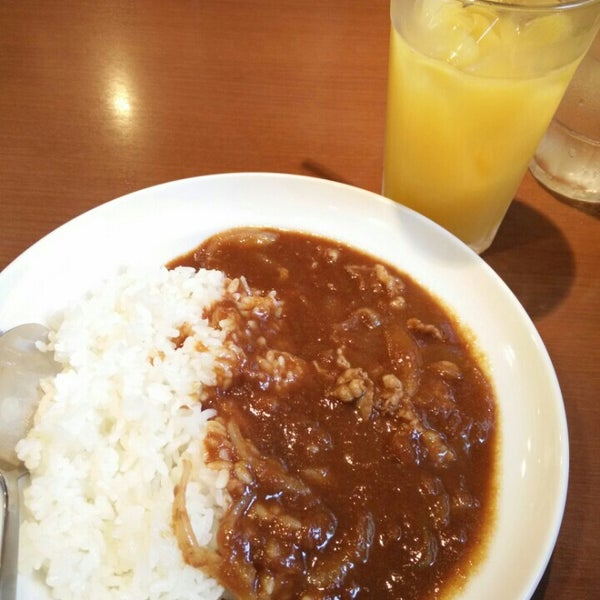 Photo taken at CoCo壱番屋 渋谷区宇田川町店 by May. on 10/17/2015