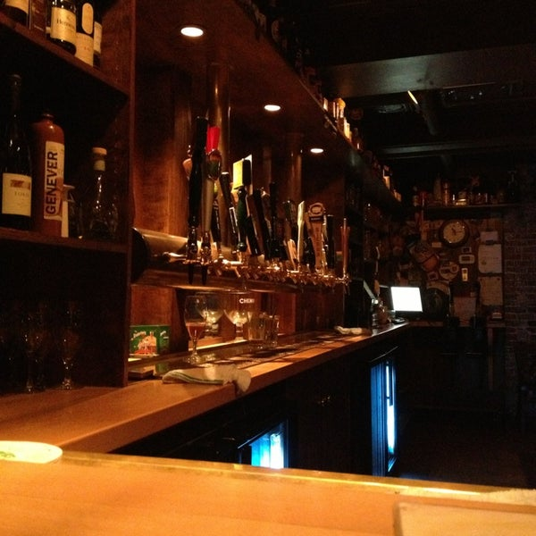 Photo taken at Novare Res Bier Cafe by W. Vincent P. on 3/13/2013