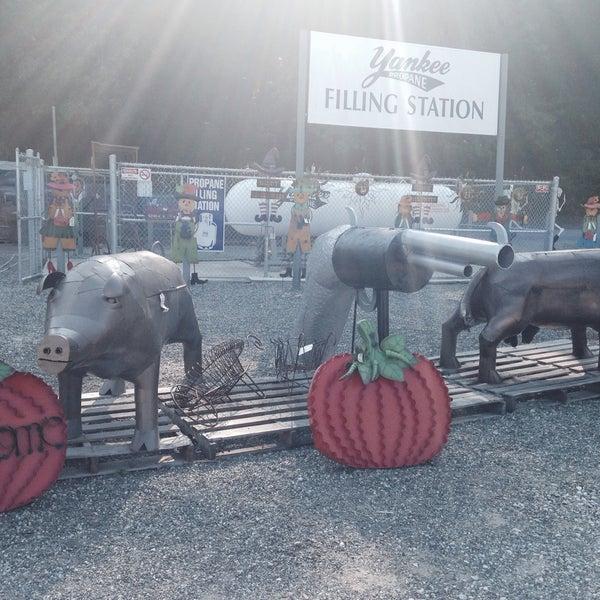 Photo taken at Auntie El's Farm Market by Nancy K. on 9/7/2015