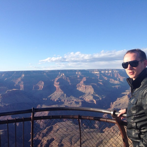 Photo taken at Red Feather Lodge Grand Canyon by Vyacheslav S. on 5/1/2014