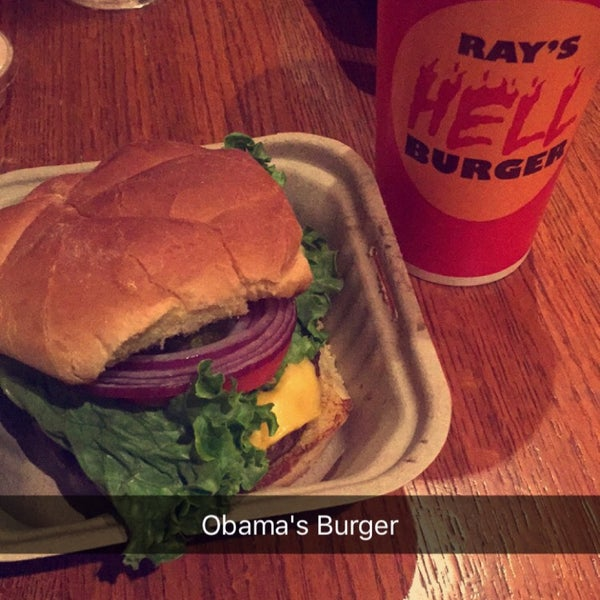 Photo taken at Ray's Hell Burger by H-Ba N. on 11/30/2015