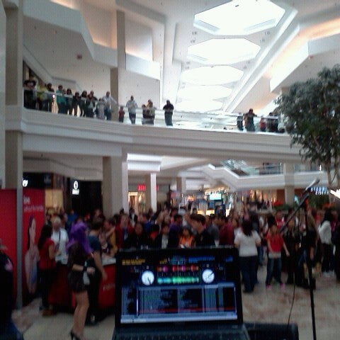 Photo taken at Woodfield Mall by DJ N. on 9/23/2012