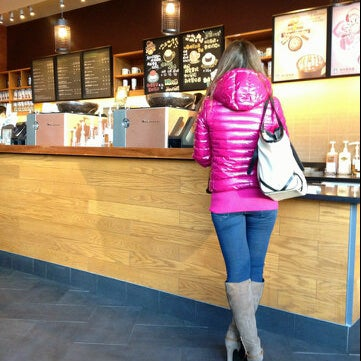 Photo taken at Starbucks 星巴克 by Venny F. V. on 4/23/2013