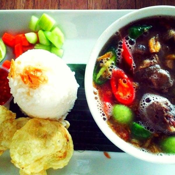 Photo taken at Java Bean by Meidya on 12/9/2014