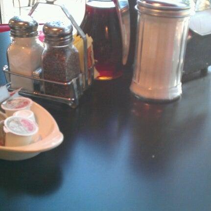 Photo taken at Donut Dinette by Derron F. on 9/24/2012