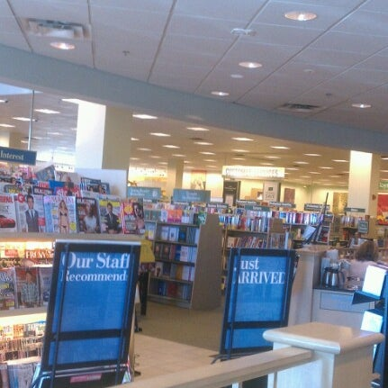 Photo taken at Barnes & Noble by Martha T. on 8/14/2012