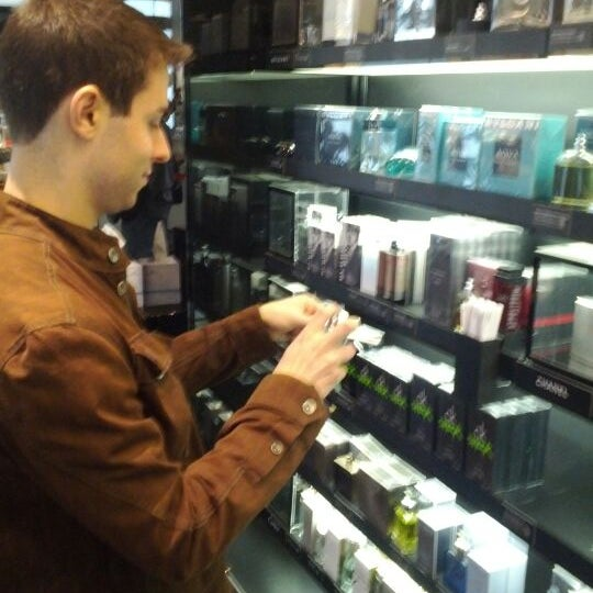 Photo taken at Sephora by Dan Z. on 4/29/2012