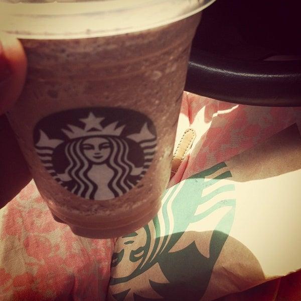 Photo taken at Starbucks by Toshira on 6/9/2012