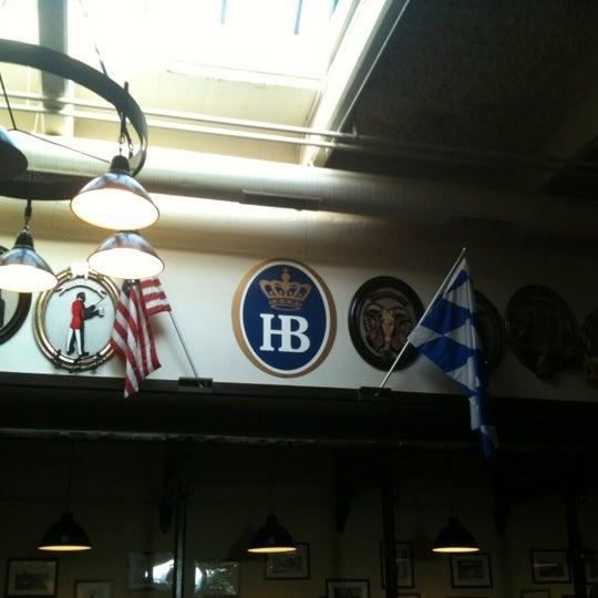 Photo taken at Hofbräuhaus Newport by Alan L. on 6/28/2012