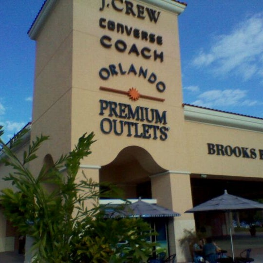 Photo taken at Orlando Premium Outlets - Vineland Ave by André S. on 12/9/2011