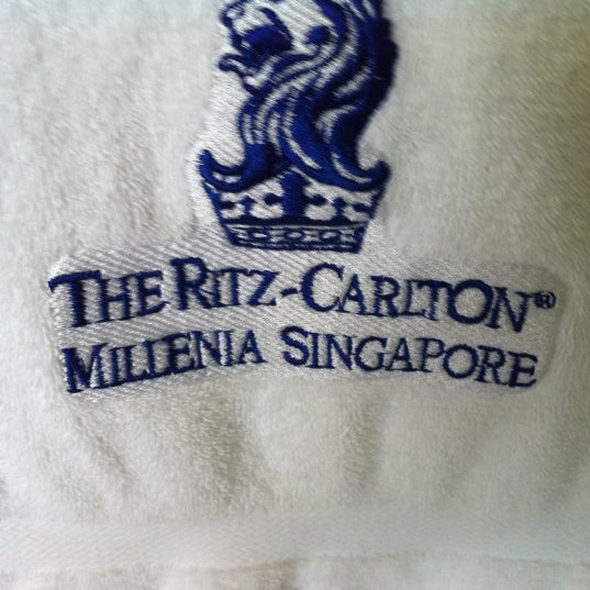 Photo taken at The Ritz-Carlton, Millenia Singapore by Trebzir C. on 1/15/2011