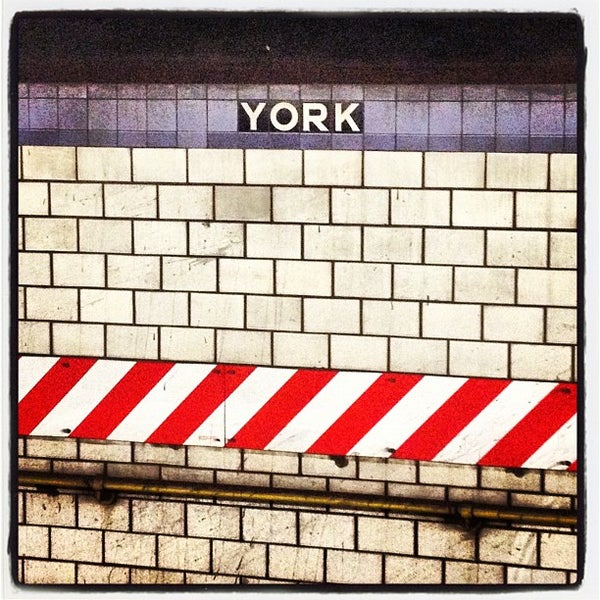 Photo taken at MTA Subway - York St (F) by Marceli L. on 8/31/2012