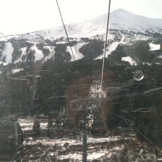 Photo taken at Breck Connect Gondola by Ⓔⓡⓘⓒ on 11/20/2011