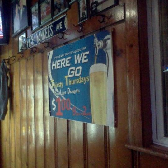 Johnnie 39 s tavern dive bar - Dive bar definition ...