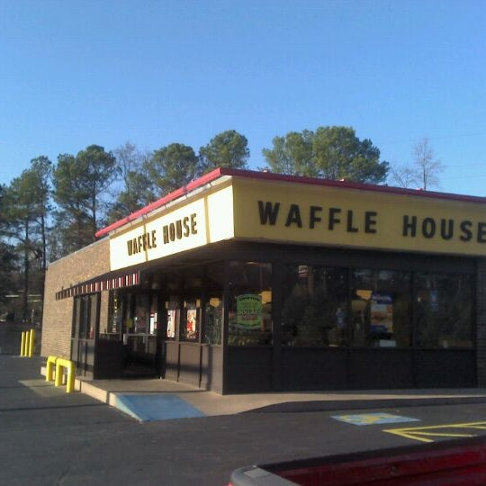 Photo taken at Waffle House by Chad M. on 11/30/2011