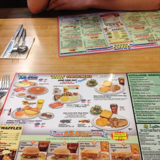 Photo taken at Waffle House by Lyndsey L. on 2/18/2012