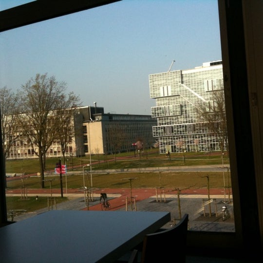 Photo taken at Faculty Of Electrical Engineering, Mathematics and Computer Science by Rakshas M. on 3/29/2011