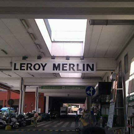 leroy merlin hardware store in genova. Black Bedroom Furniture Sets. Home Design Ideas