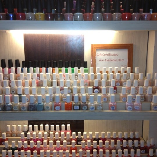 Athena 39 s nails nail salon in astoria for 33 fingers salon reviews