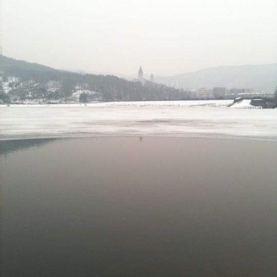 Photo taken at Yuldong Park by Woo Hyung C. on 2/3/2011