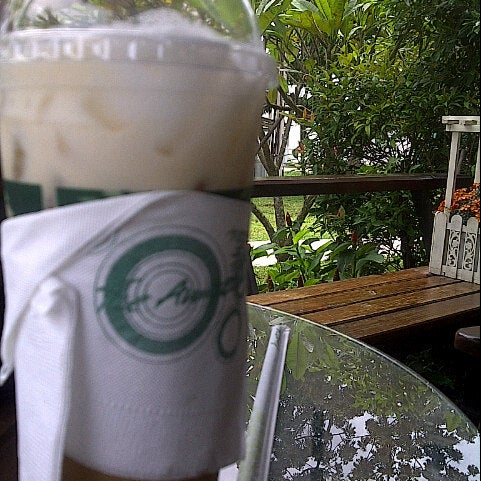 Photo taken at Café Amazon by Bun~Bung L. on 7/18/2012