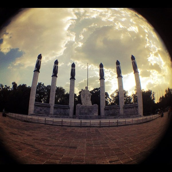 Photo taken at Bosque de Chapultepec by javier s. on 8/16/2012