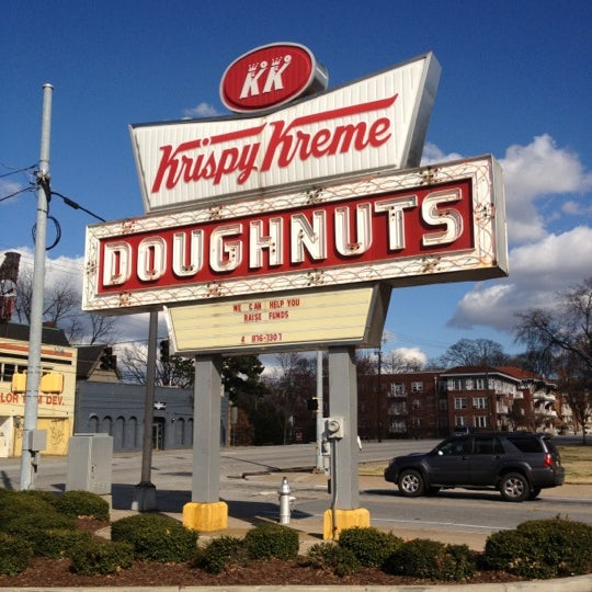 Photo taken at Krispy Kreme Doughnuts by Renee M. on 2/5/2012