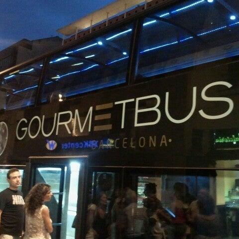 Parada tmb 0007 pla a universitat l 39 antiga esquerra de - Placa universitat barcelona ...