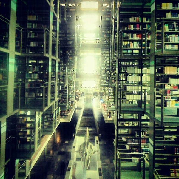 Photo taken at Biblioteca Vasconcelos by Ro S. on 4/17/2012