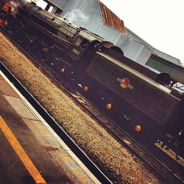 Photo taken at Platform 3 by That John on 5/20/2012