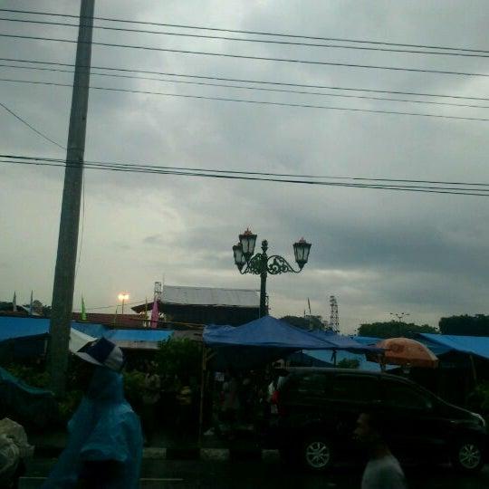 Photo taken at Alun - Alun Lor by Fakhrudin on 1/8/2012