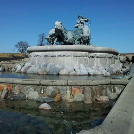 Photo taken at Gefionspringvandet (Gefion Fountain) by Jan Friborg J. on 3/21/2012