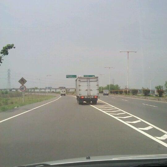 Photo taken at Tol Surabaya Gresik by Daud Tri Jatmiko A. on 11/17/2011