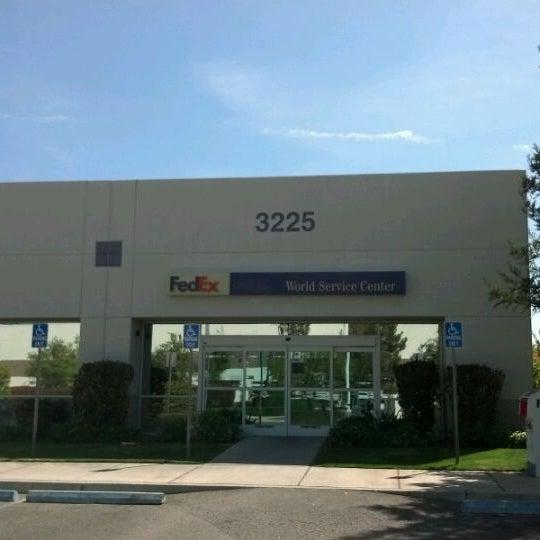 Fedex Ship Center Business Service In Clovis