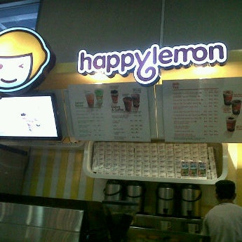 Photo taken at Happy Lemon by Grace A. on 8/28/2012