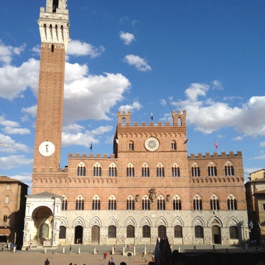 Photo taken at Piazza del Campo by Erik U. on 7/16/2012