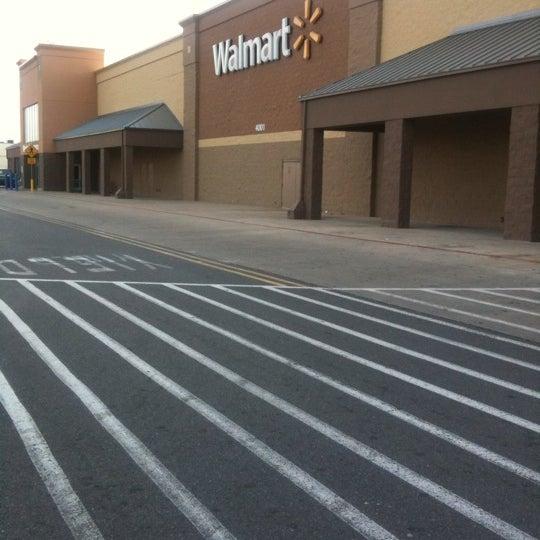 Photo taken at Walmart Supercenter by Insomniaq on 3/26/2011