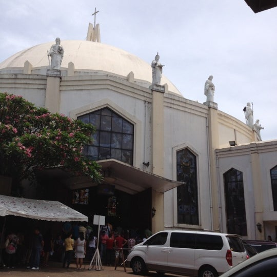 Photo taken at National Shrine of Our Lady of Peace and Good Voyage (Antipolo Cathedral) by Ronald Allan T. on 5/13/2012