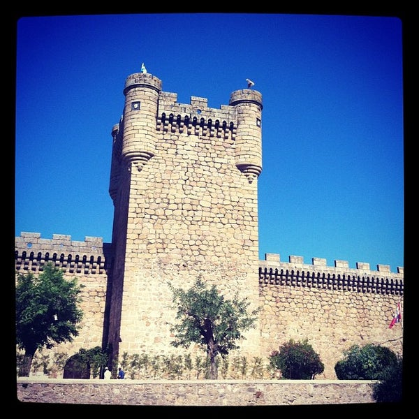 Photo taken at Hotel Parador de Oropesa by Delikat E. on 9/2/2012