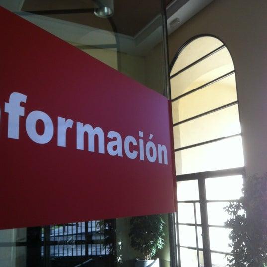 Foto tomada en Cámara de Comercio e Industria por Oscar U. el 6/16/2012