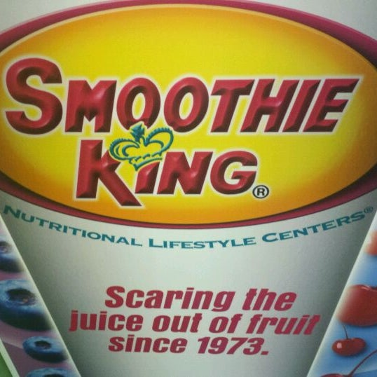 Photo taken at Smoothie King by Kimmi v. on 11/16/2011