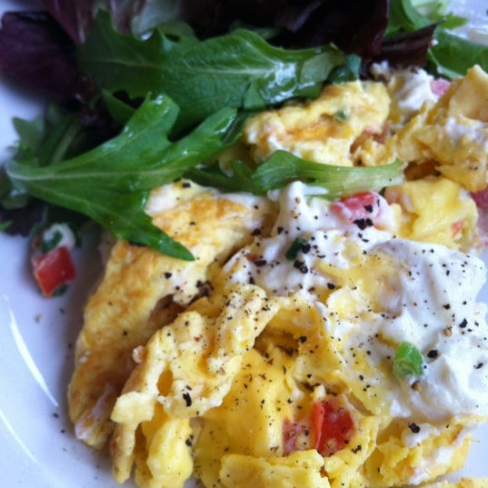 Can't go wrong w/wild mushroom and gruyere omelette, but try the farmer's scramble and add goat cheese, too - fabulous