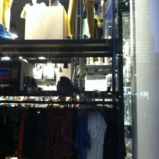 Photo taken at H&M by Michelle R. on 8/11/2011