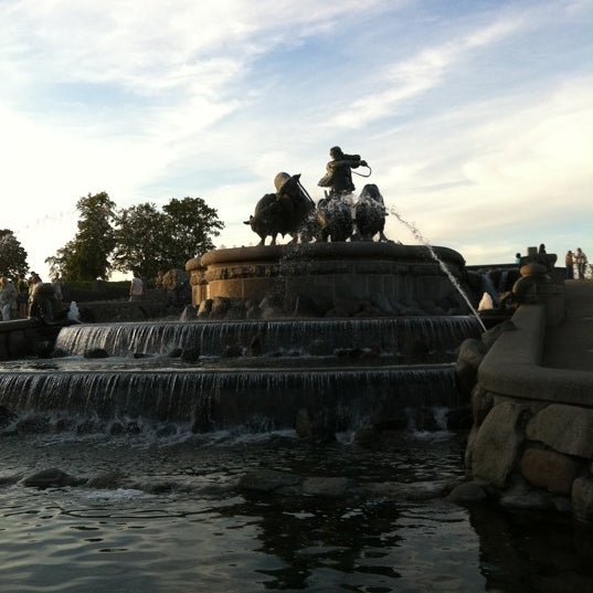 Photo taken at Gefionspringvandet (Gefion Fountain) by Stefan B. on 8/3/2011