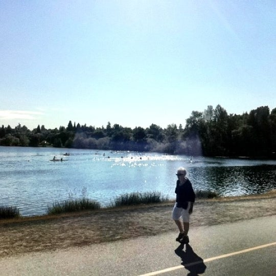 Photo taken at Green Lake Boathouse by Erik B. on 8/14/2012