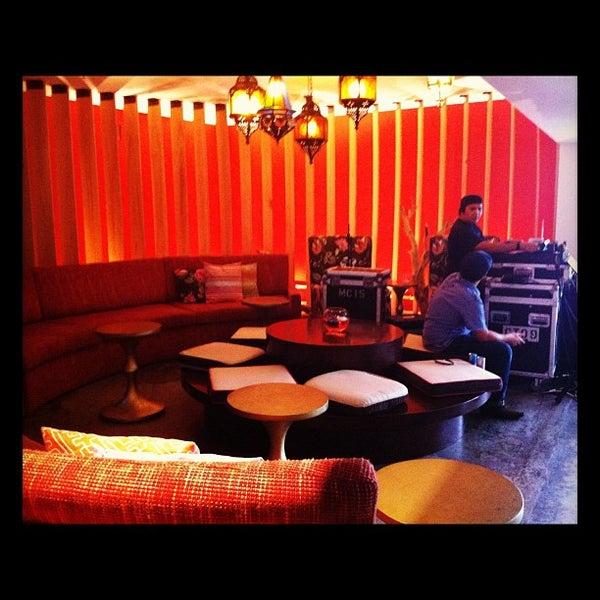 Photo taken at Postcard Inn by 🌜Jesy P. on 8/26/2012