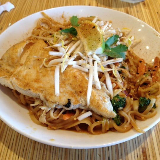 Photo taken at Noodles & Company by Dan K. on 4/7/2012