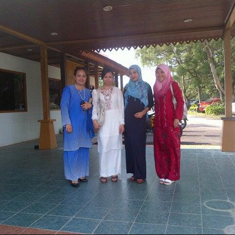 Photo taken at Lembaga Getah Malaysia by Rozie Dannya M. on 9/1/2012